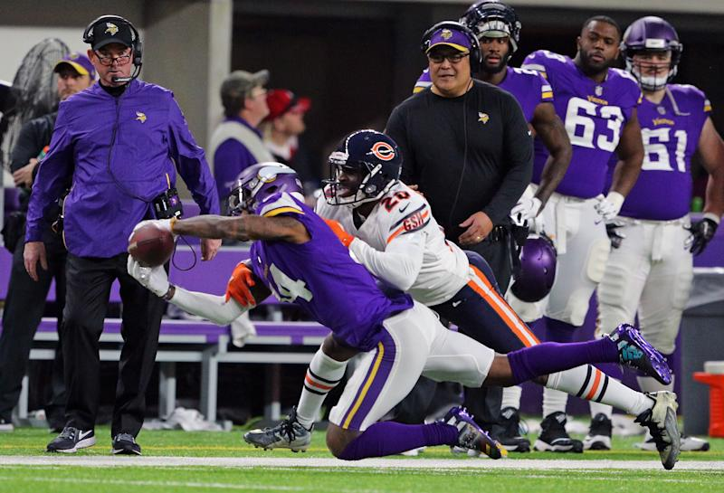 MINNEAPOLIS, MN - DECEMBER 30: (L) Head coach Mike Zimmer of the Minnesota Vikings watches as Prince Amukamara #20 of the Chicago Bears disrupts a pass intended for Stefon Diggs #14 of the Minnesota Vikings at U.S. Bank Stadium on December 30, 2018 in Minneapolis, Minnesota. (Photo by Adam Bettcher/Getty Images)