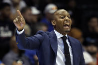 Memphis head coach Penny Hardaway calls a play during the first half of an NCAA college basketball game against South Florida, Sunday, Jan. 12, 2020, in Tampa, Fla. (AP Photo/Chris O'Meara)