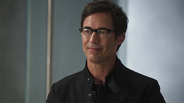 We All Suspected It After The Flashs Fall Finale But Now Its Official Tom Cavanagh Who Plays Dr Harrison Wells Has Confirmed That He Will Be Pulling