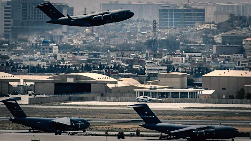 Six airplanes stuck at Afghanistan airport; 1,000 waiting to leave