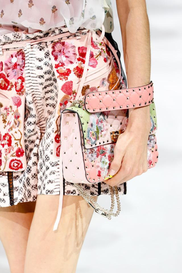 <p><i>Pastel pink floral handbag from the SS18 Valentino collection (Photo: Getty) </i></p>
