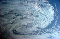 """From seashells to galaxies to this storm, Nature loves spirals. <a href=""""https://twitter.com/Cmdr_Hadfield/"""" rel=""""nofollow noopener"""" target=""""_blank"""" data-ylk=""""slk:(Photo by Chris Hadfield/Twitter)"""" class=""""link rapid-noclick-resp"""">(Photo by Chris Hadfield/Twitter)</a>"""