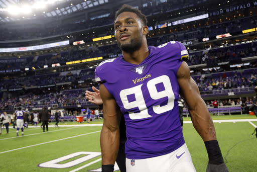 Vikings put Hunter on IR; star DE must miss at least 3 games