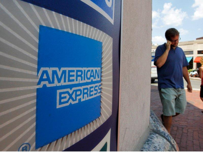 American Express' 4Q earnings down 47%