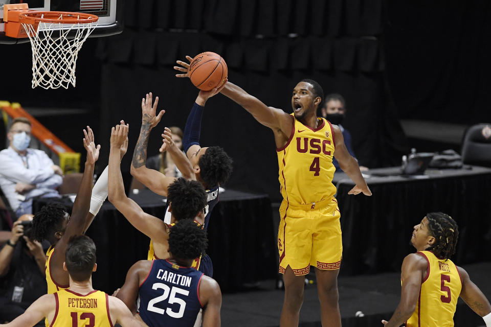 USC's Mobley and Stanford's Williams square off this weekend