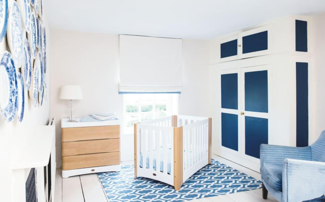 <p>Speaking of colours, it's much easier matching wall- and ceiling colours with furnishings and décor than the other way around. Thus, shop for those textiles (baby blankets, curtains, etc.) first, thanks to the latest colour-match technology, then match it with the appropriate paint colours to buy.</p><p><strong>homify hint:</strong> Peel-off wall stickers add instant colour and character and are so quick and easy to use.</p>  Credits: homify / Boori Europe