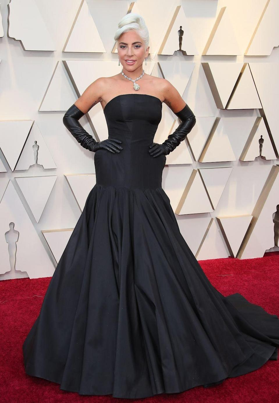 <p>Lady Gaga in Alexander McQueen. She accessorised with Tiffany's 128.54-carat diamond necklace – the same one that was worn by Audrey Hepburn in promotional photos for Breakfast at Tiffany's in 1961.</p>