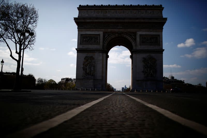 French service sector plunges into deepest recession ever - PMI