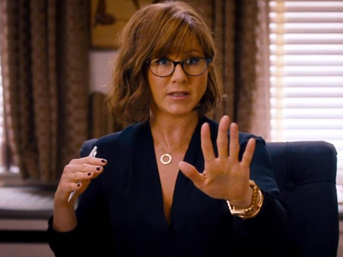 Jennifer Aniston shes funny that way therapist