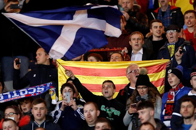 Scotland football fans hold up the Estelada (Catalan separatist flag) during the 2018 World Cup Qualification match between Scotland vs Slovakia, Hampden Park, Glasgow, Britain - October 5, 2017 PICTURE TAKEN: October 5, 2017. Picture taken October 5, 2017 REUTERS/Russell Cheyne