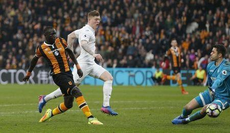 Britain Football Soccer - Hull City v Swansea City - Premier League - The Kingston Communications Stadium - 11/3/17 Hull City's Oumar Niasse scores their first goal  Action Images via Reuters / Ed Sykes Livepic