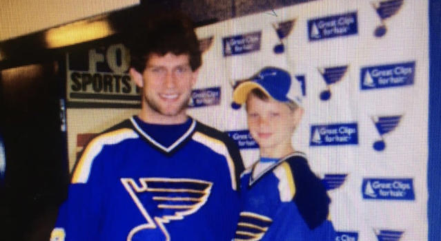 David Backes, playing in his first season for the St. Louis Blues, with a 9-year old Trent Frederic about 12 years ago. (Andy Strickland//Twitter)