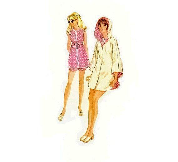 <p>Maternity beachwear in the 1960s had a decidedly Barbie vibe.</p>