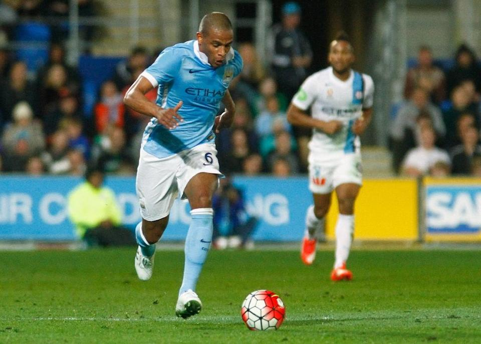 Fernando Reges of Manchester City controls the ball during a friendly match against A-League side Melbourne City, in Gold Coast, on July 18, 2015 (AFP Photo/John Pryke)