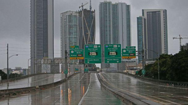 PHOTO: The Interstate remains empty as the outer bands of Hurricane Irma reached South Florida early Saturday, Sept. 9, 2017 in Miami.  (David Santiago/Miami Herald via AP)
