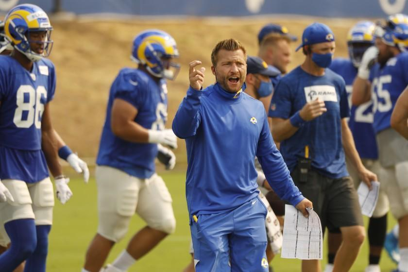 THOUSAND OAKS, CA - AUGUST 18: Los Angeles Rams head coach Sean McVay works with players as the team conducts practice at the Rams training facility in Thousand Oaks on Tuesday August 18, 2020 in preparation for the 2020 National Football League season. Ventura County on Tuesday, Aug. 18, 2020 in Thousand Oaks, CA. (Al Seib / Los Angeles Times