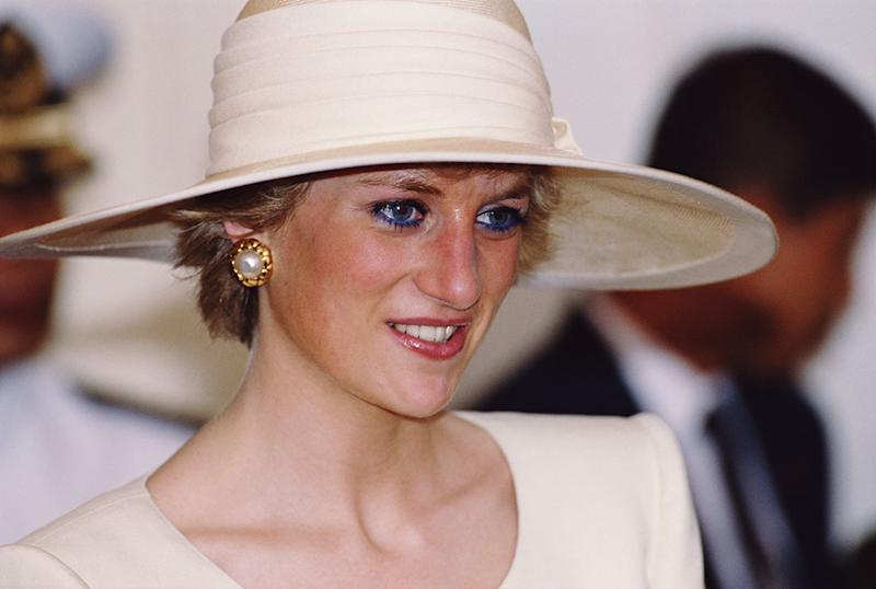 Princess Diana loved to play up the look of her eyes with blue eyeliner. (Photo: Getty Images)
