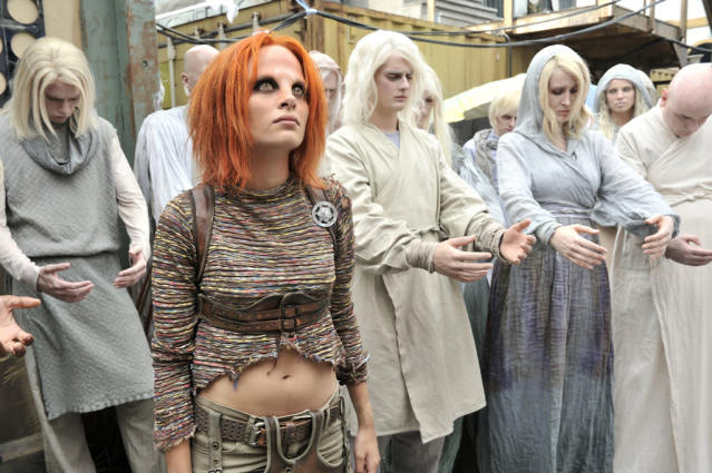 "Stephanie Leonidas as Irisa in the ""Defiance"" episode, ""Down in the Ground Where the Dead Men Go."""