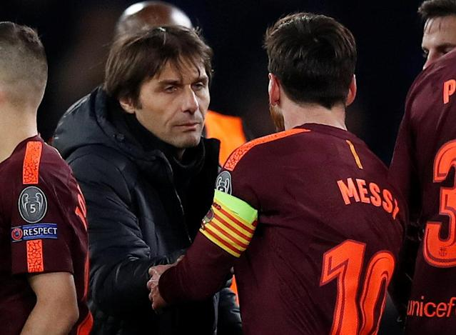 Soccer Football - Champions League Round of 16 First Leg - Chelsea vs FC Barcelona - Stamford Bridge, London, Britain - February 20, 2018 Barcelona's Lionel Messi shakes hands with Chelsea manager Antonio Conte after the match REUTERS/Eddie Keogh