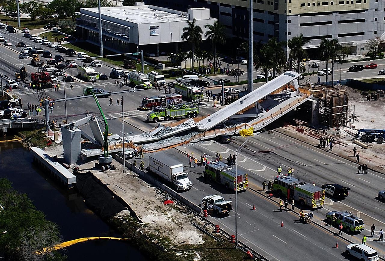 <p>Vista general del puente colapsado. (Pedro Portal/Miami Herald/TNS via Getty Images) </p>