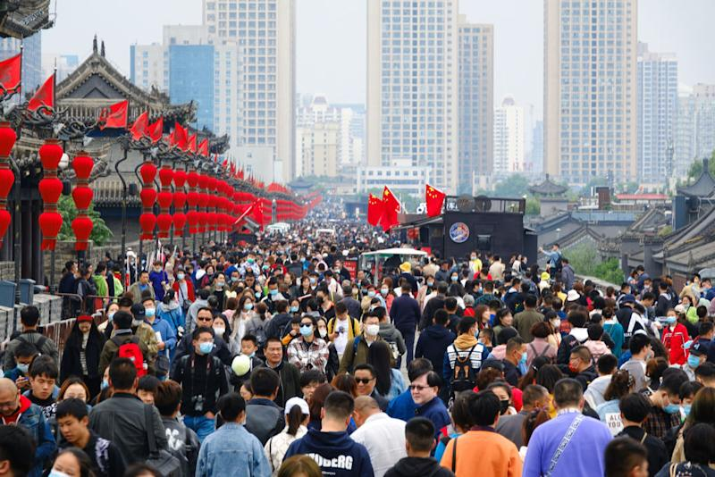 Tourists visit the ancient city wall during 8-day National Day holiday.