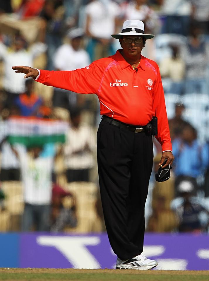 CHENNAI, INDIA - FEBRUARY 16:  Umpire Asoka de Silva in action during the 2011 ICC World Cup Warm up game against India and New Zealand at the MA Chidambaram Stadium on February 16, 2011 in Chennai, India.  (Photo by Matthew Lewis/Getty Images)