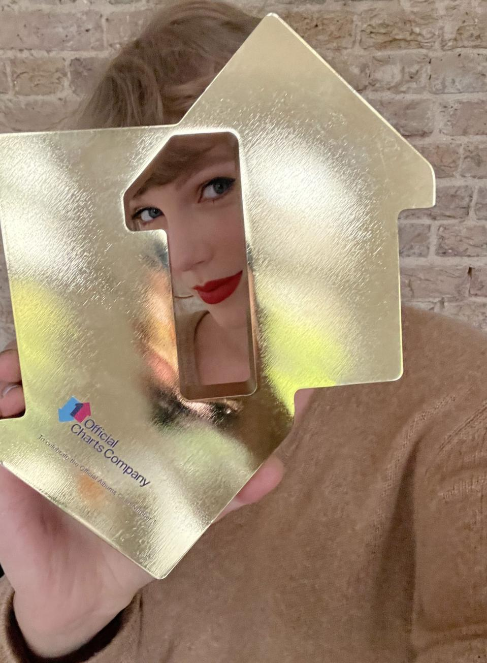 Taylor Swift has topped the UK album chart (Official Charts Company)