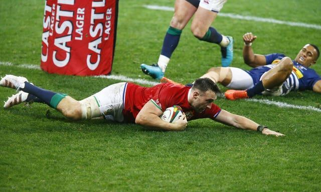 Jack Conan scores a try against the Stormers