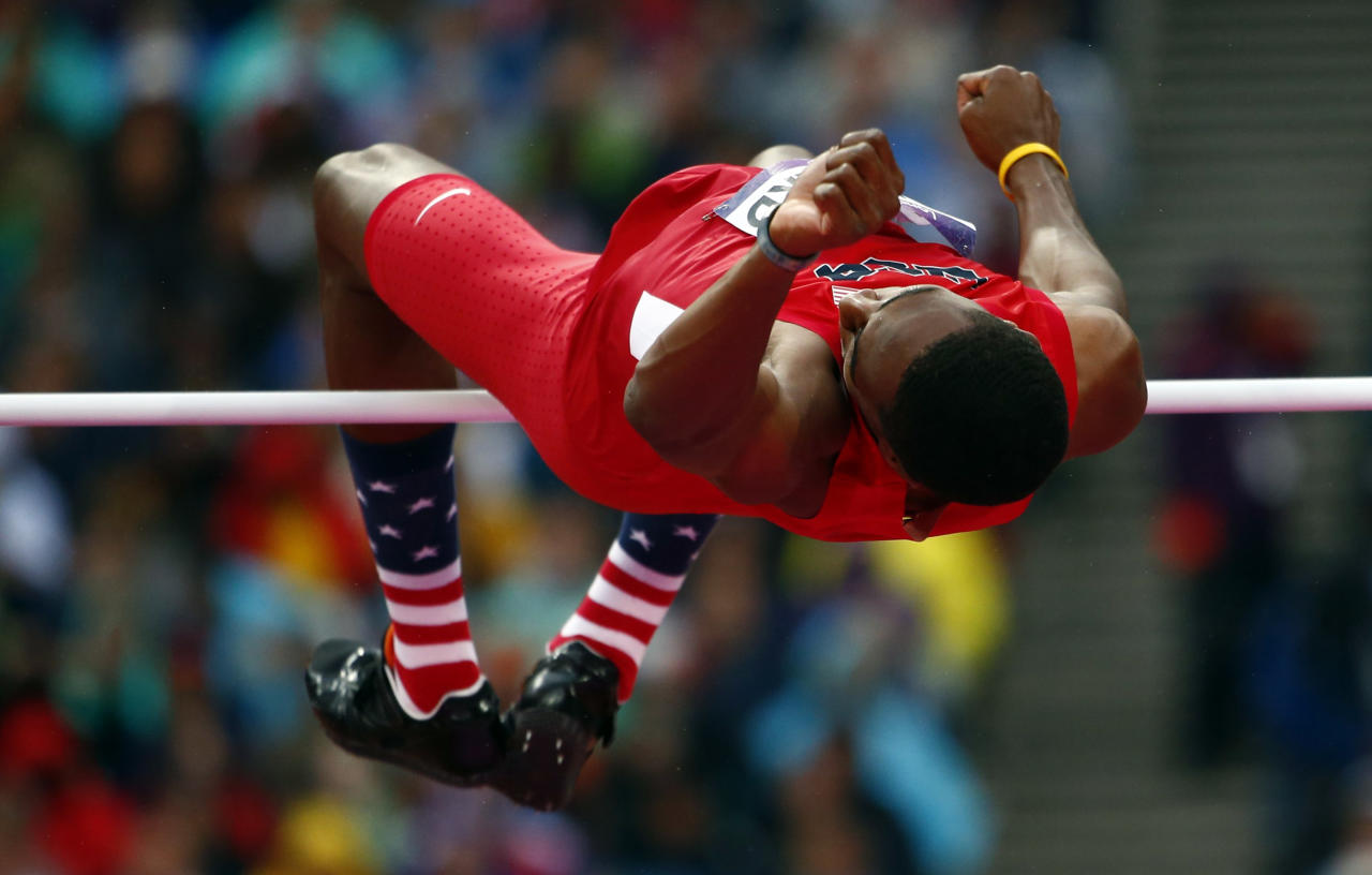 Erik Kynard of the U.S. competes in the men's high jump final during the London 2012 Olympic Games at the Olympic Stadium August 7, 2012.                  REUTERS/Kai Pfaffenbach (BRITAIN  - Tags: SPORT ATHLETICS OLYMPICS)