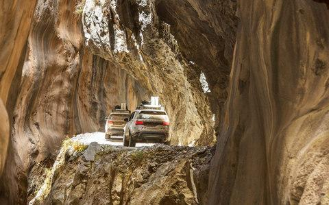 Land Rover tour in Peru - Credit: Craig Pusey