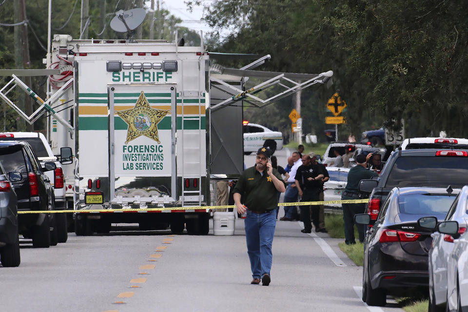 Four people are dead including a mother who was still cradling her now deceased baby in what Florida sheriff's deputies are calling a massive gun battle with a suspect. Source: AP
