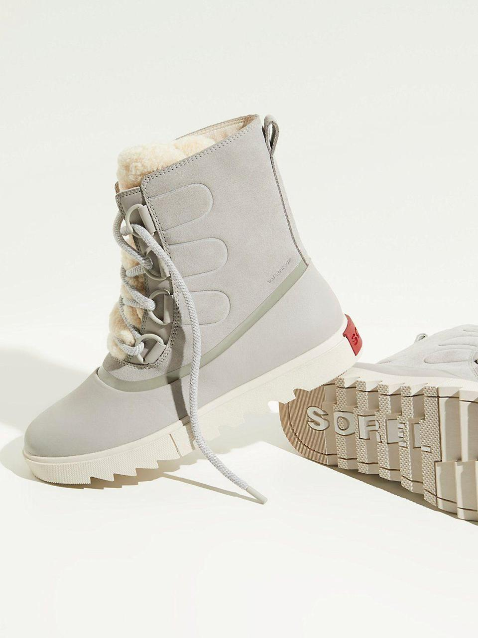 """<p><strong>Sorel</strong></p><p>freepeople.com</p><p><strong>$200.00</strong></p><p><a href=""""https://go.redirectingat.com?id=74968X1596630&url=https%3A%2F%2Fwww.freepeople.com%2Fshop%2Fjoan-of-arctic-next-lite-boots%2F&sref=https%3A%2F%2Fwww.marieclaire.com%2Ffashion%2Fg3388%2Fsnow-boots-for-women%2F"""" rel=""""nofollow noopener"""" target=""""_blank"""" data-ylk=""""slk:SHOP IT"""" class=""""link rapid-noclick-resp"""">SHOP IT</a></p><p>You have enough black ankle boots to last you through the season and are in search of a gray shoe. Consider this an optimal pick since the snow boot is water-resistant, has a traction rubber sole, and is blessed with both a micro fleece lining and shearling trim.<br></p>"""