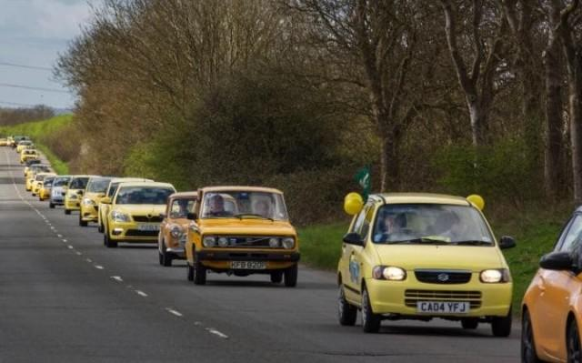 Yellow cars in act of solidarity to Peter Maddox