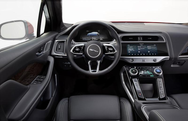 A look at the smartly designed interiors of the 2019 Jaguar I-PACE.