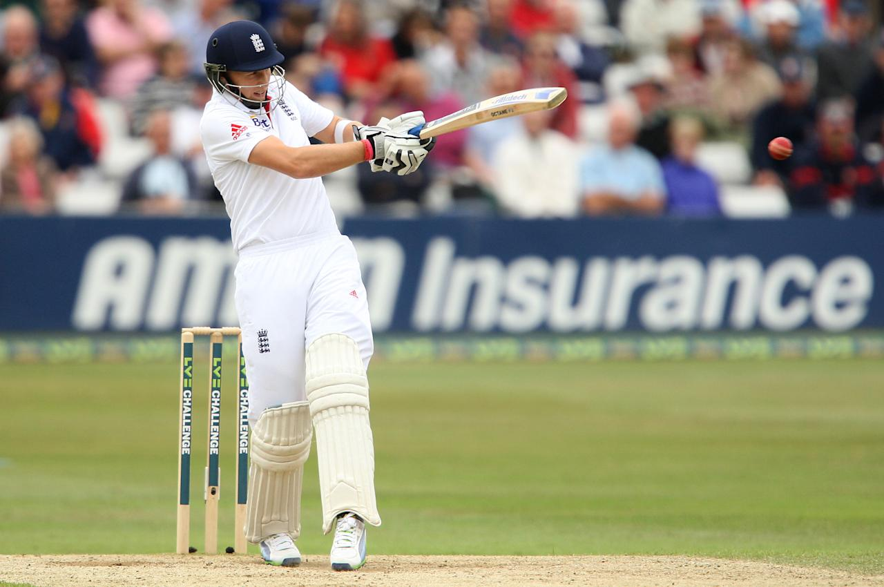 England's Joe Root bats during day three of the International Warm up match at The County Ground, Chelmsford.