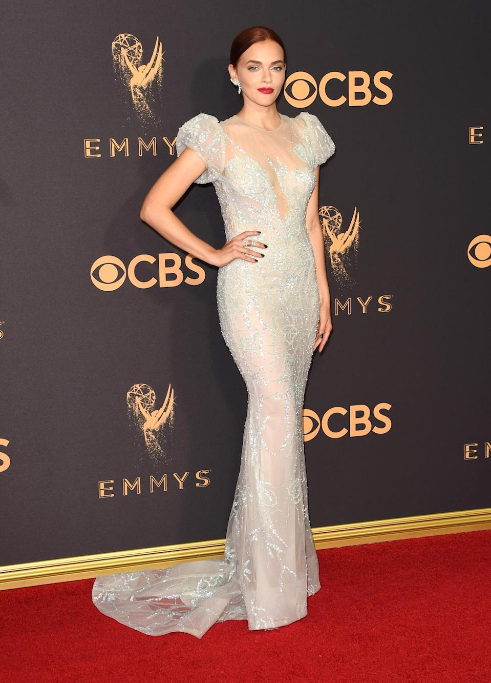 <p>Madeline Brewer attends the 69th Primetime Emmy Awards on Sept. 17, 2017.<br> (Photo: Getty Images) </p>