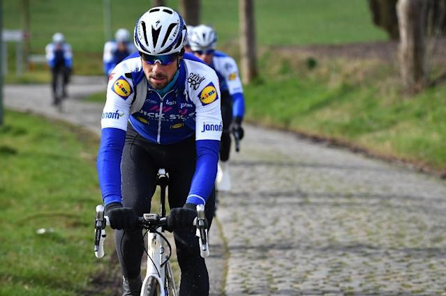 Belgian Tom Boonen of Quick-Step Floors rides his bike during a track reconnaissance at the cobblestones area in Zottegem, Belgium on February 24, 2017 (AFP Photo/DAVID STOCKMAN)