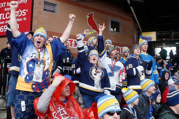 <p><em>Fans cheer after the St. Louis Blues scored a goal during the second period of the 2017 Bridgestone NHL Winter Classic against the Chicago Blackhawks at Busch Stadium on January 2, 2017 in St. Louis, Missouri. (Photo by Scott Kane/Getty Images)</em></p>