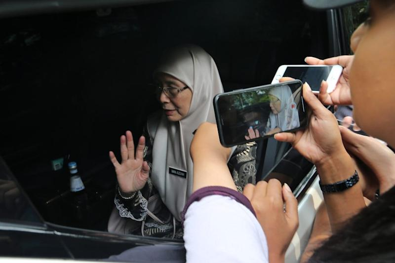 Deputy Prime Minister Datuk Seri Dr Wan Azizah Wan Ismail leaves The Dusun resort in Seremban August 16, 2019, after a closed-door meeting with Nora Quoirin's family. ― Picture by Ahmad Zamzahuri