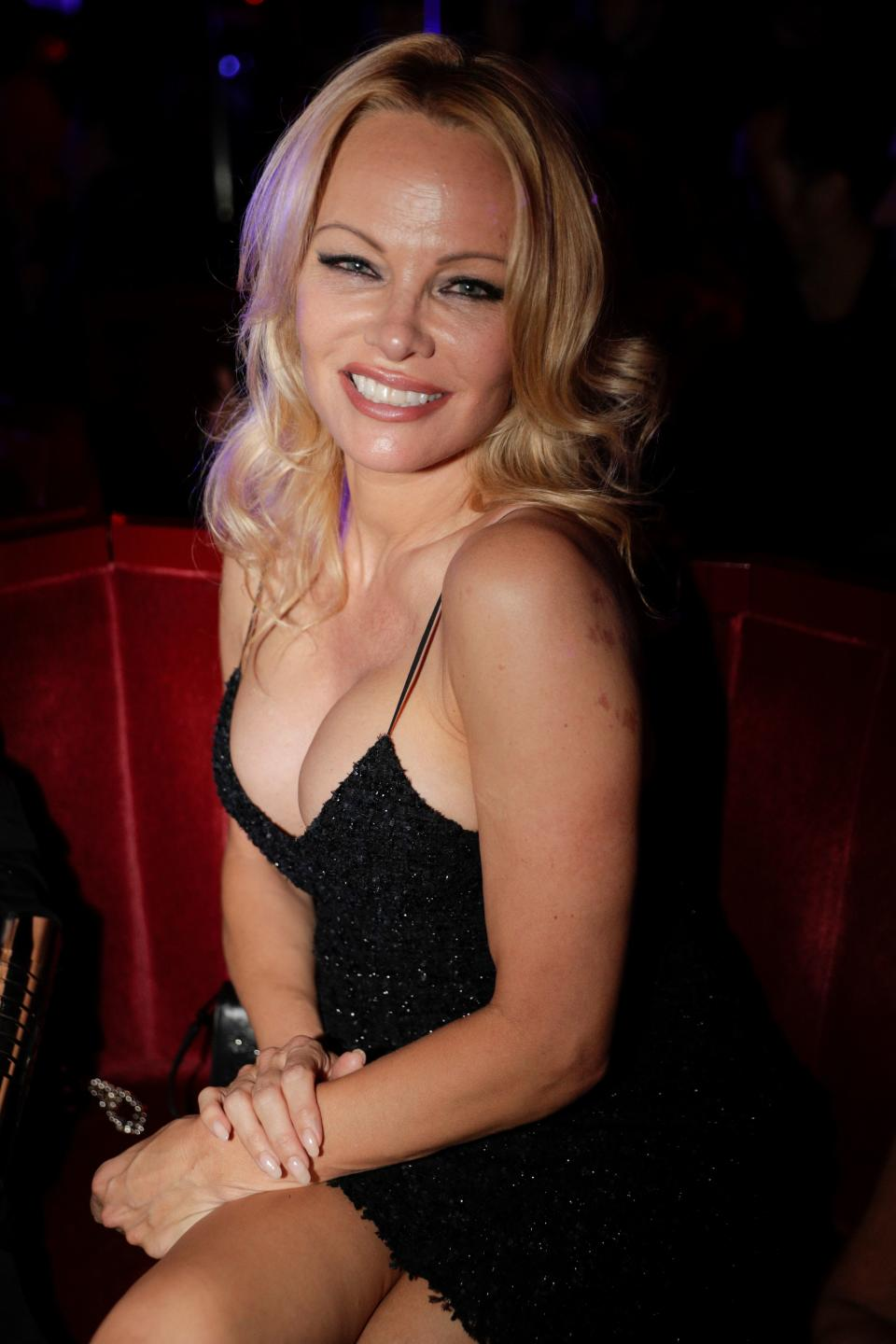 """US actress Pamela Anderson attends the Premiere of the new show """"Bionic ShowGirl"""" at the """"Crazy Horse"""" cabaret on June 3, 2019 in Paris. (Photo by Geoffroy VAN DER HASSELT / AFP)        (Photo credit should read GEOFFROY VAN DER HASSELT/AFP/Getty Images)"""