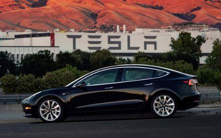 Telsa Model 3 production halted Company seeking to improve automation in Fremont
