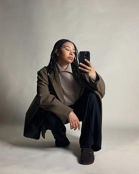 """<p>Chillier climes means you might still need to be covered head-to-toe this spring. But if you must, try Tanice Elizabeth's relaxed tailoring with Birkenstock slipper sandals.</p><p><a class=""""link rapid-noclick-resp"""" href=""""https://go.redirectingat.com?id=127X1599956&url=https%3A%2F%2Fwww.net-a-porter.com%2Fen-gb%2Fshop%2Fproduct%2Ftoteme%2Fcropped-twill-straight-leg-pants%2F1292515&sref=https%3A%2F%2Fwww.elle.com%2Fuk%2Ffashion%2Fg36129428%2Fspring-outfits%2F"""" rel=""""nofollow noopener"""" target=""""_blank"""" data-ylk=""""slk:SHOP TAILORED TROUSERS NOW"""">SHOP TAILORED TROUSERS NOW</a></p><p><a href=""""https://www.instagram.com/p/CNk08TBh3ML/"""" rel=""""nofollow noopener"""" target=""""_blank"""" data-ylk=""""slk:See the original post on Instagram"""" class=""""link rapid-noclick-resp"""">See the original post on Instagram</a></p>"""