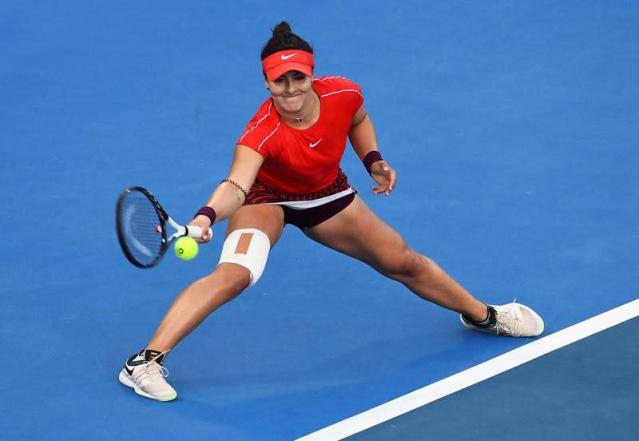 Andreescu continues hot streak, qualifies for Aussie Open
