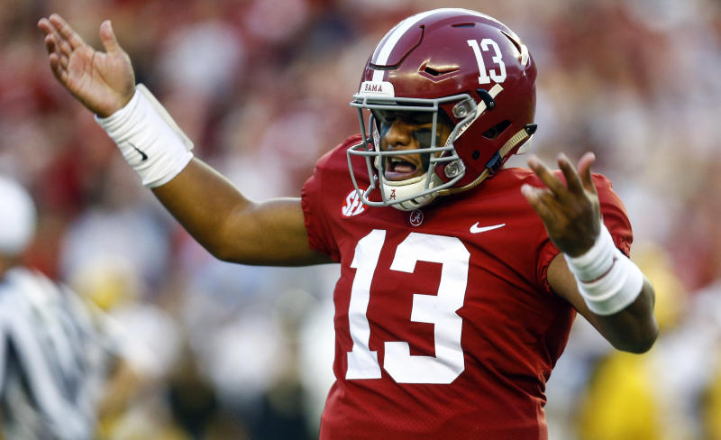 Alabama's Tua Tagovailoa leaves win over Missouri with right knee injury