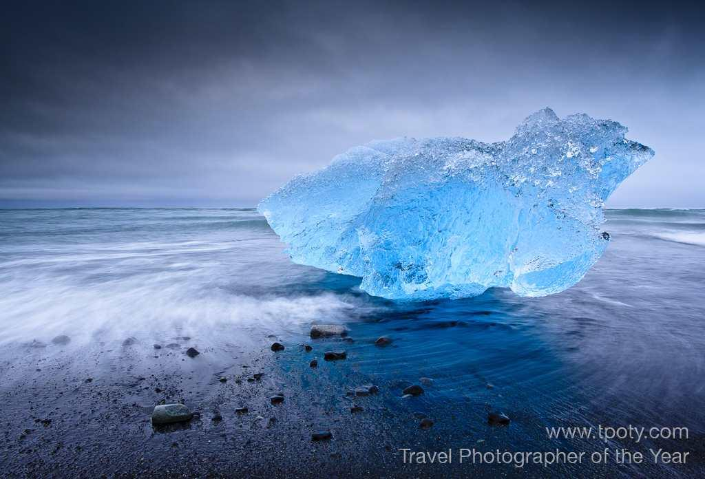 Black sand beaches near the Jökulsárlón glacial lagoon in Iceland. <br><br>Joshua Holko, Australia<br>Camera: Canon EOS 1DS MK3	<br><br>Highly Commended, One Shot 'Water' (single image category)