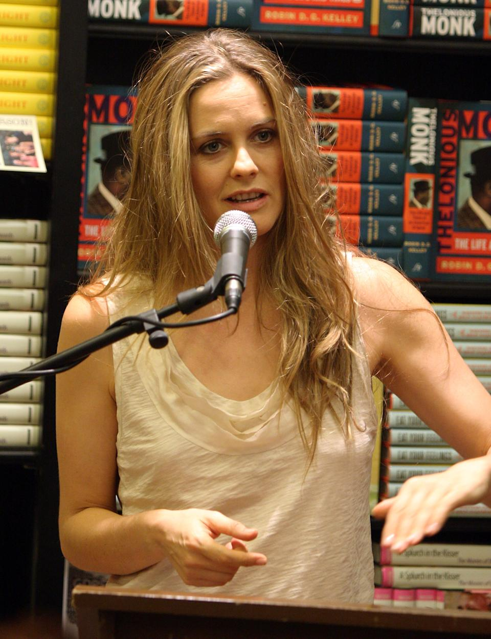 WEST HOLLYWOOD, CA - OCTOBER 15: Actress Alicia Silverstone discusses her new book 'The Kind Diet: A Simple Guide to Feeling Great, Losing Weight, and Saving the Planet' at Book Soup on October 15, 2009 in West Hollywood, California. (Photo by Angela Weiss/Getty Images)