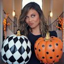 <p>loading up on chic pumpkins for her favorite time of year on Oct. 1.</p>