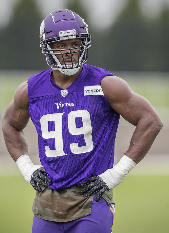 Minnesota Vikings defensive end Danielle Hunter watches during NFL football practice, Tuesday, June 12, 2018 in Eagan, Minn. (Elizabeth Flores/Star Tribune via AP)