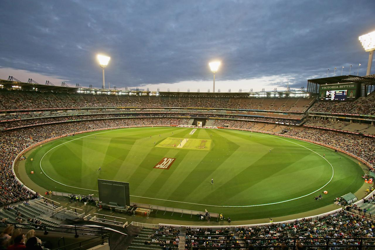 MELBOURNE, AUSTRALIA - JANUARY 28:  A general view during game two of the Twenty20 International series between Australia and Sri Lanka at the Melbourne Cricket Ground on January 28, 2013 in Melbourne, Australia.  (Photo by Scott Barbour/Getty Images)