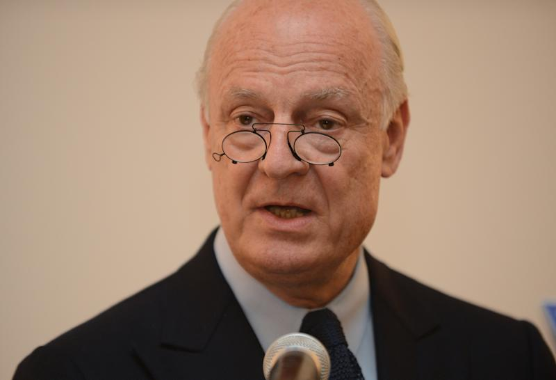 A picture taken in New Delhi on March 22, 2013, shows Italian-Swedish diplomat Staffan de Mistura during a press conference